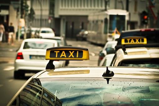 Krankentransporte durch Taxi- bzw. Mietwagenunternehmen